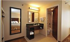 Kahler Inn & Suites Rooms - Bathroom