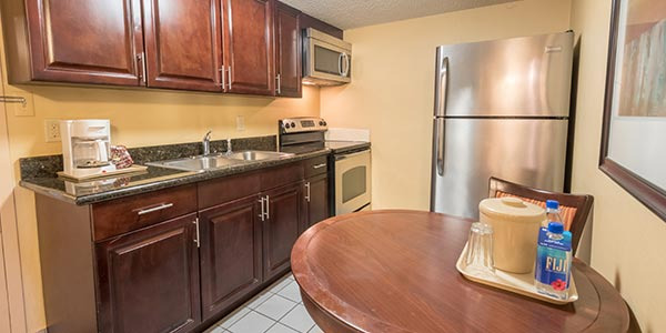 Kahler Inn & Suites, Rochester Kitchenette Suite
