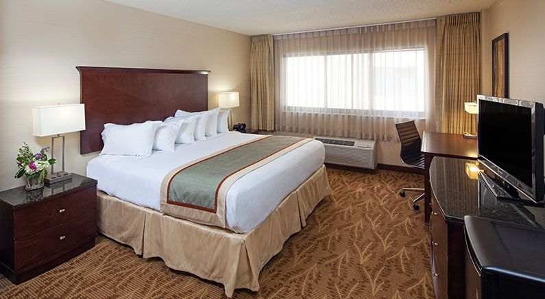 Kahler Inn & Suites, Rochester Minnesota Standard Room Accessible