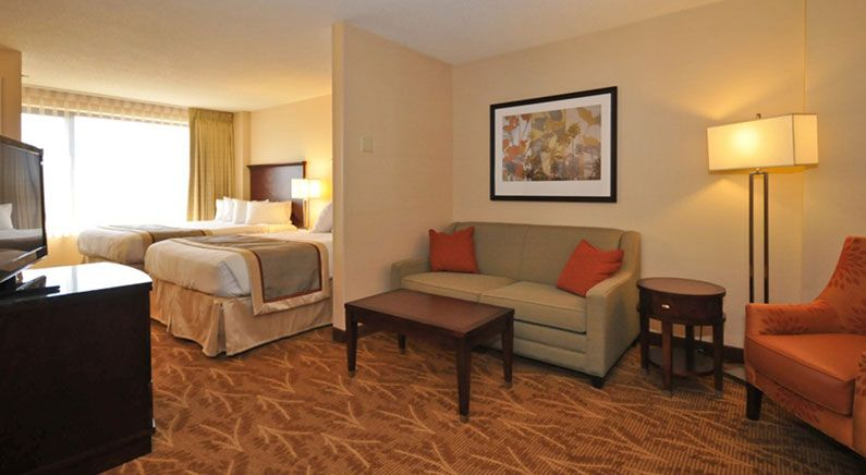 Poolside Mini Suite 2 Doubles in Kahler Inn & Suites, Minnesota