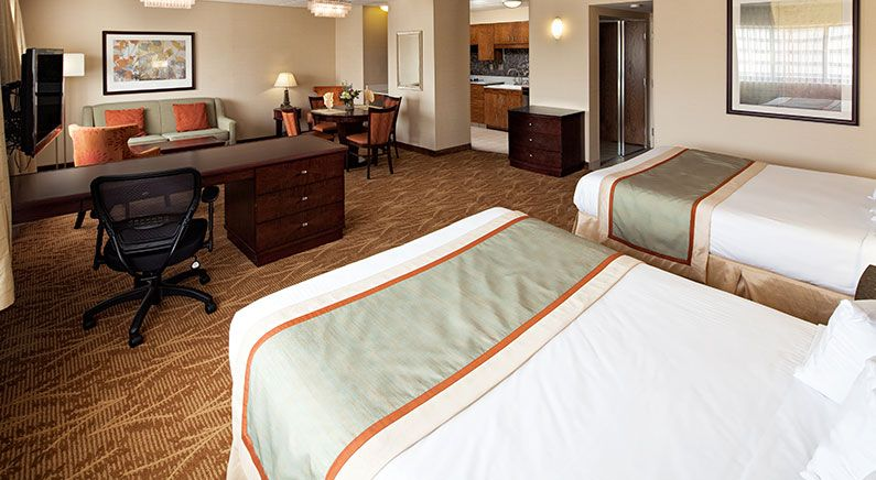Mini Suite 2 Queens at Kahler Inn & Suites, Rochester